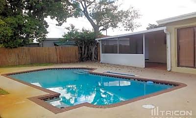 Pool, 7655 Indigo St, 2