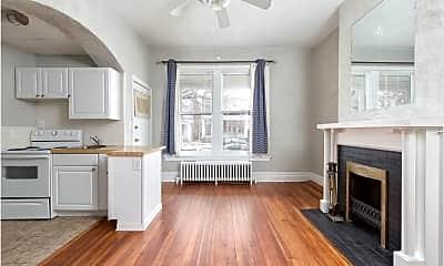 Living Room, 103 S Davis Ave, 2