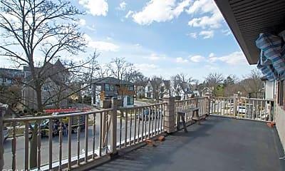 Patio / Deck, 476 Park St, 1