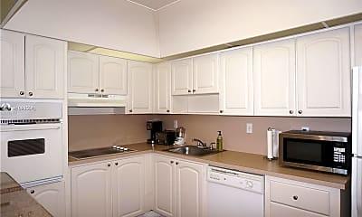 Kitchen, 19370 Collins Ave 311, 1