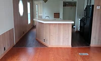 Living Room, 294 Golden Ct, 2