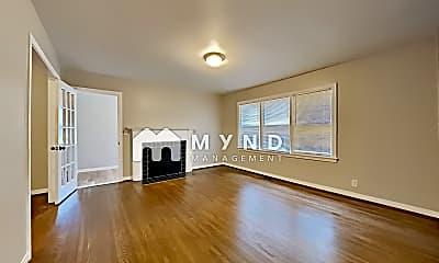 Living Room, 301 88th St S, 1