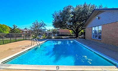 Pool, Point North, 0