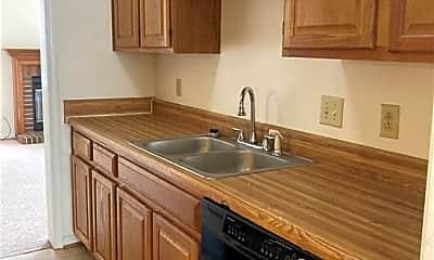 Kitchen, 716 Sutherland Dr, 1