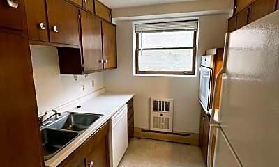 Kitchen, 706 Mississippi River Blvd, 1