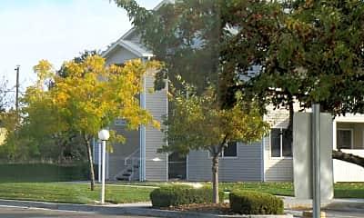 Building, Parkwood Apartments, 2