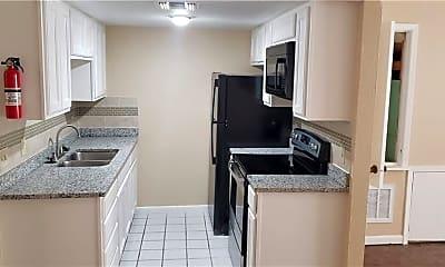 Kitchen, 5729 Crestmore Dr B, 1