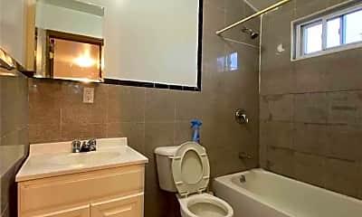 Bathroom, 100-28 88th Ave A, 1