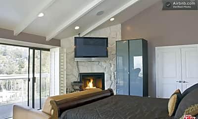 Bedroom, 8730 Hollywood Blvd, 2