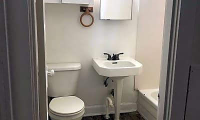 Bathroom, 104 W Hudson St, 2