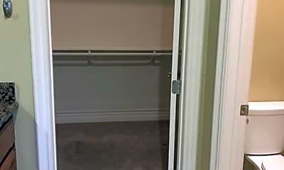 Bathroom, 51685 Avenida Navarro, 2