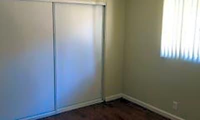 Bedroom, 4038 Vineland Ave, 2