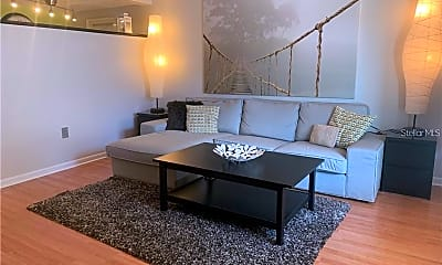Living Room, 320 Lakeview St 116, 1