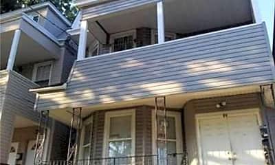 Building, 84 Scheerer Ave, 2