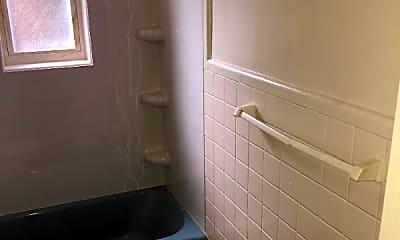 Bathroom, 2986 Woodrow Ave, 2