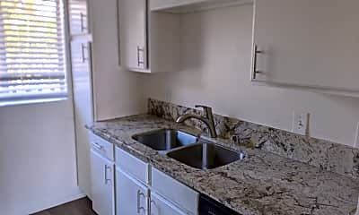 Kitchen, 1362 Temple Ave, 0
