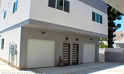 Building, 14113 Sylvan St, 1