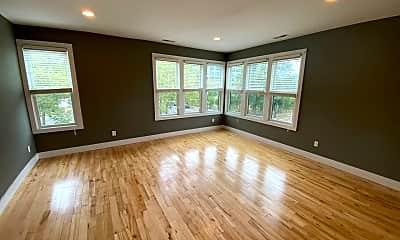 Living Room, 320 Ashmun St, 2