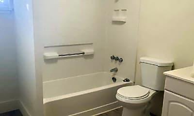 Bathroom, 3820 Sumner Ln, 2