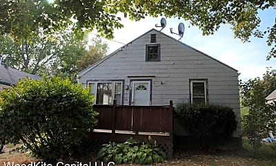 Building, 1014 Leslie St, 0