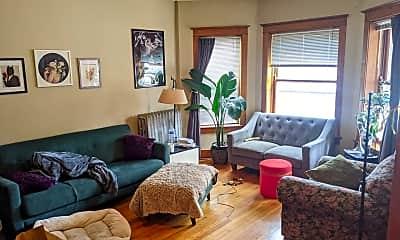 Bedroom, 950 N Leavitt St, 1