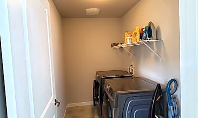Kitchen, 2589 Filbert Ave, 2