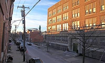 Building, 604 Carpenter St, 2