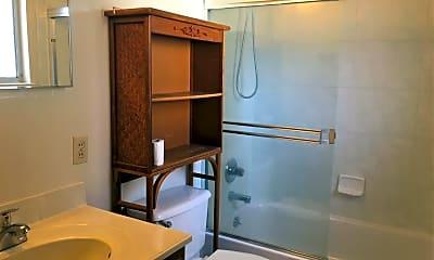Bathroom, 1059 Arroyo Seco Dr, 2