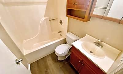 Bathroom, 1012 Mary St, 2