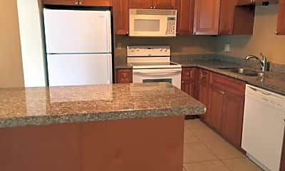 Kitchen, 1801 N 39th Ave, 2