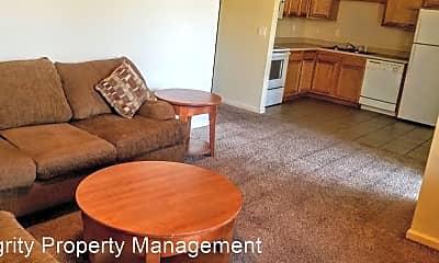 Living Room, 16619 Hunters Ridge Ln, 2