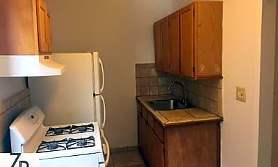 Kitchen, 124 Parrott Pl, 1