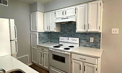 Kitchen, 3624 Parkridge Dr 214, 1