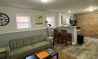 Living Room, 5801 S Sangamon St, 1