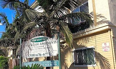 Casa Grande Apartments, 2