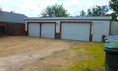 Building, 407 Cliff Dr, 2
