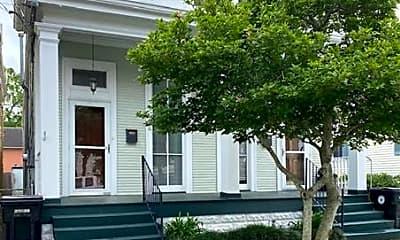 Building, 636 N St Patrick St, 1