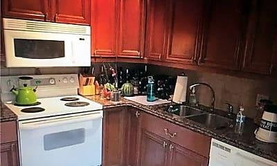 Kitchen, 716 7th Ct, 1