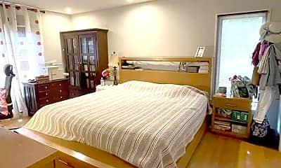 Bedroom, 7 Drummer Boy Way 7, 1