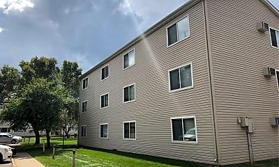 Minnetonka Heights Apartments, 2