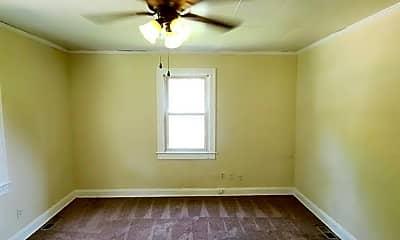 Bedroom, 5902 Roanoke Ave, 1