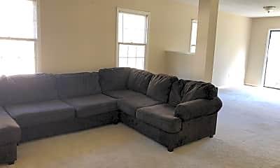 Living Room, 305 Queens Ct, 1