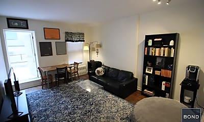 Living Room, 118 E 31st St, 1