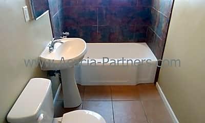 Bathroom, 3011 E 17th St, 2