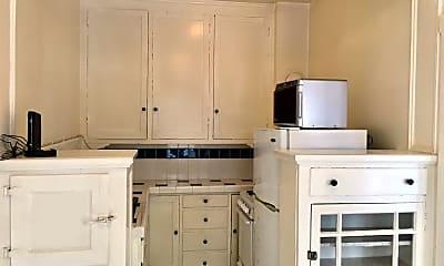 Kitchen, 1580 Golden Gate Ave, 2