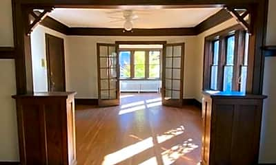 Living Room, 2900 James Ave S, 1