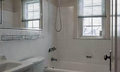 Bathroom, 900 Montgomery Ave, 1