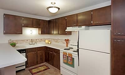 Kitchen, 813 S Circle Dr, 1