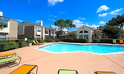Pool, Hollyview, 0