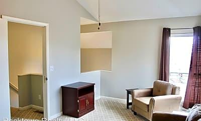 Living Room, 1372 Bradley Dr, 2